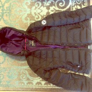 Black American Eagle puff jacket